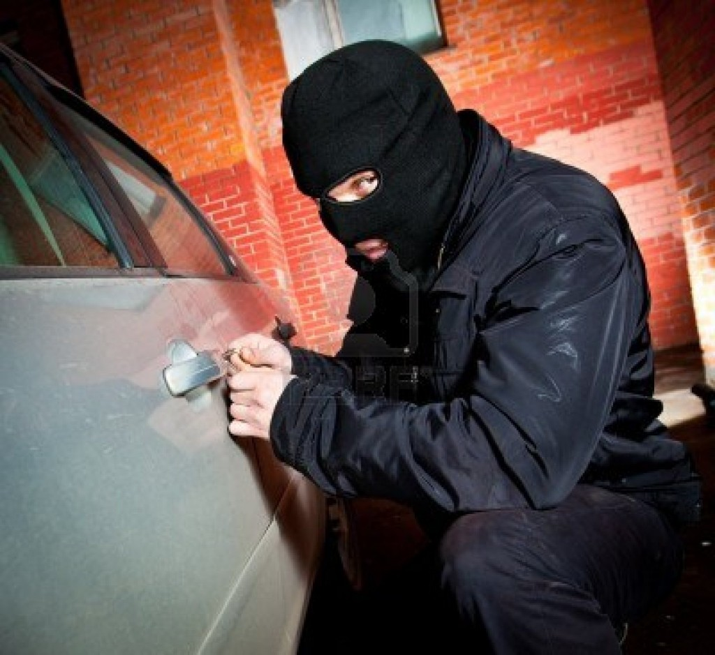thief-hijacks-the-car